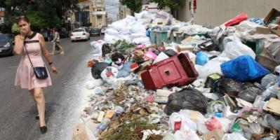 كأنك تتنشق موتك.. منظمة: حرق النفايات يخنق اللبنانيين
