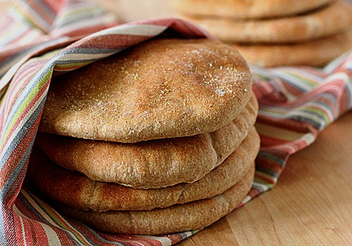 بسبب رفع سعر الخبز.. اقبال الجزائريين على أكياس الدقيق ومقاطعة المخابز
