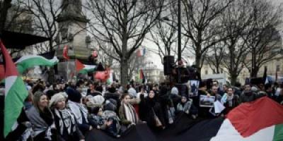 يدًا بيد لأجل القدس .. مظاهرات في فرنسا ضد قرار ترامب
