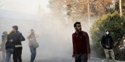 صخب الاحتجاجات في إيران يعلو وحزب الله يقلق
