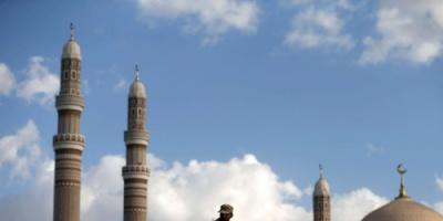 قطر تتحالف مع الحوثيين وتسعى لاستنزافهم عبر الإخوان