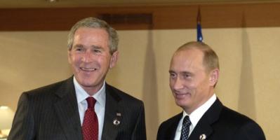 """جورج بوش : بوتين تكتيكي رائع ويحاول إعادة """"الهيمنة السوفيتية"""""""