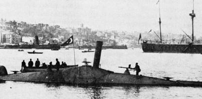 الغواصة الحالية إختراع عسكري إسلامي وليست اختراعاً أمريكياً