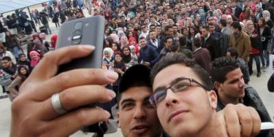 هل تخرب شبكات التواصل الاجتماعي البلدان والشعوب والعالم؟