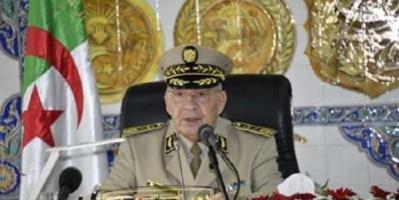الجيش الجزائري يتعهد بحفظ الأمن وعدم السماح بعودة البلاد إلى حقبة سفك الدماء