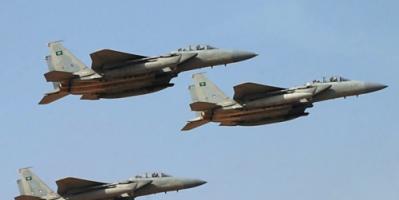 اليمن : التحالف يدمر معسكرا حوثيا في عمران.. وقبائل حجور تحبط هجوما للانقلابيين