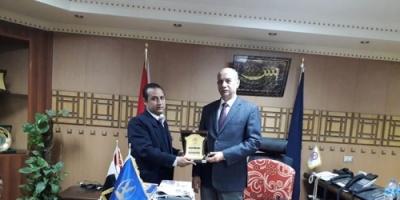 مصر : المنظمة الوطنية لحقوق الانسان تكرم مدير امن قنا