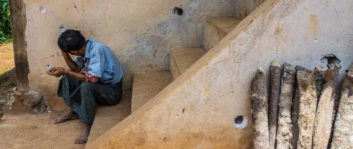 مينانمار: انتهاك كرامة المسنين في المخيمات بعد تعرضهم لفظائع عسكرية