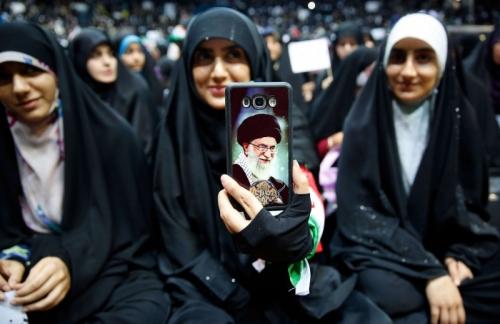 اللوبي الإيراني يستغل مواطن ضعف النظام الديمقراطي الأميركي لكسب متعاطفين من داخله