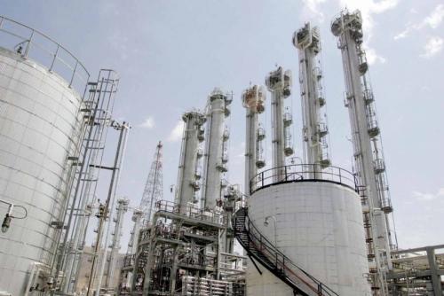 نية أميركية لتجديد إعفاء برامج نووية إيرانية من العقوبات استرضاء للقوى الكبرى