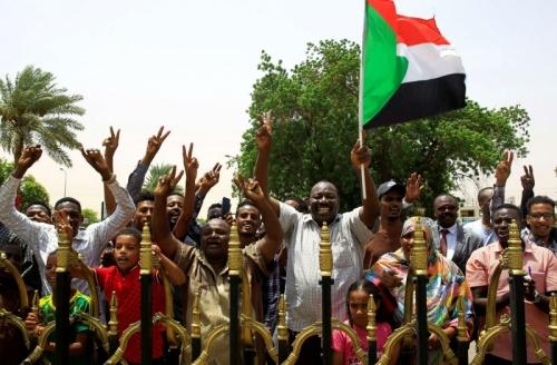 السودان يكتب التاريخ بالتوقيع النهائي على الاتفاق الانتقالي
