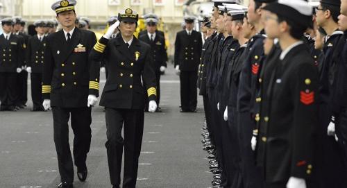 اليابان تدرس تحركا عسكريا في مضيقي هرمز وباب المندب