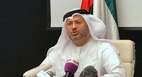 """أنور قرقاش : نأمل في نجاح """"اجتماع جدة"""" بين الحكومة اليمنية والانتقالي الجنوبي"""