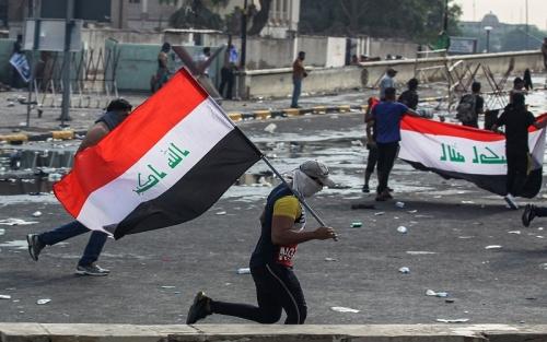 بعد أيام من احتجاجات شعبية عارمة... مجلس بغداد يقبل استقالة المحافظ