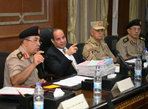 الرئيس السيسي ... القوات المسلحة المصرية تنتقي رجالها