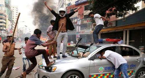 بسبب منشور على موقع فيسبوك ... مقتل واصابة 54 شخصا في بنغلادش