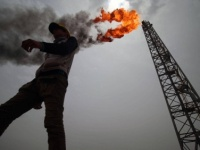 اين تذهب مليارات الدولارات من عائدات النفط العراقي ؟