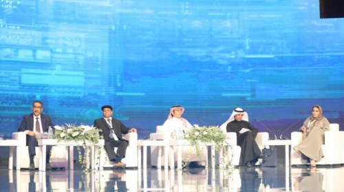 بمشاركة 32 دولة ... انطلاق أُولى جلسات منتدى الإعلام السعودي