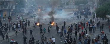 العراق ... 6 قتلى وأكثر من 40 جريحا بهجوم مسلح استهدف المتظاهرين في بغداد