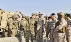 """""""الاتحاد الحديدي 12"""" ... قائد القوات البرية وقائد الجيش الأمريكي الثالث يشهدان انطلاقة التمرين المشترك"""