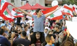 لبنان ... الجيش يفض اشتباكا بين محتجين وحراس نائب برلماني