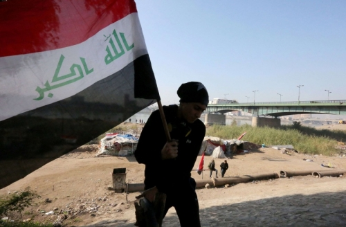 وسط مخاوف من فراغ دستوري ... متظاهرو العراق يلوّحون بالتصعيد