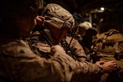 البنتاغون يعلن أنه سيرسل 750 جنديا إلى العراق لحماية السفارة الأميركية في بغداد