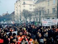 فرنسا ... حريق في مطعم يرتاده ماكرون في باريس يثير قلق السلطات