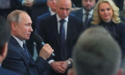فلاديمير بوتين ... روسيا كدولة متعددة الأديان تحتاج إلى سلطة رئاسية قوية