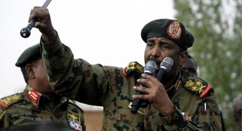 """السودان .. حرس رئيس مجلس السيادة يعلن إسقاط """"طائرة مسيرة"""" حلقت فوق منزل البرهان"""