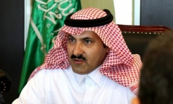 السفير السعودي محمد آل جابر ... المملكة تجري محادثات يومية مع الحوثيين المدعومين إيرانيا