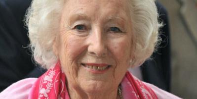 عن عمر 103 أعوام .. وفاة المغنية البريطانية فيرا لين صوت الأمل أثناء الحرب العالمية