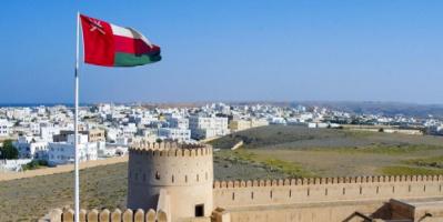 سلطنة عمان تقرر إعادة فتح حزمة جديدة من الأنشطة التجارية والصناعية