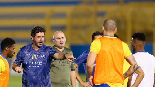 روي فيتوريا يقرر تجديد تعاقده مع نادي النصر السعودي لمدة موسمين