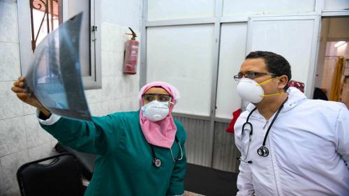 مصر .. ارتفاع وفيات كورونا بين الأطباء إلى 103 وفيات