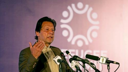 عمران خان يحمل الهند مسؤولية الهجوم على مبنى بورصة باكستان