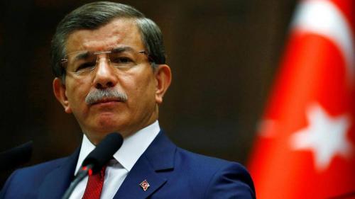 """أوغلو يسخر من """"ديمقراطية أردوغان"""" ويتهم الحزب الحاكم بالفساد والمحسوبية"""