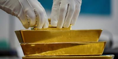 الدولار على وشك الانهيار والعالم سيعود إلى معيار الذهب
