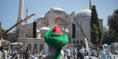 تركيا تفشل في إدارة الزحام بآيا صوفيا بينما يطالب مؤيدوها بتدويل الحرم