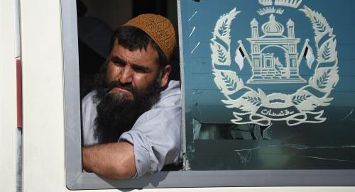 الرئيس الأفغاني يعتزم إطلاق سراح سجناء طالبان المتبقين