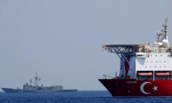 """اليونان تدعو تركيا إلى وقف """"الأعمال غير القانونية"""" في شرق المتوسط"""