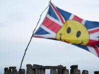"""بعد هبوط قياسي.. وزير المالية البريطاني يرى """"مؤشرات واعدة"""" للاقتصاد"""
