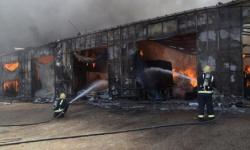 اندلاع حريق في محال للخيام وبيوت الشعر في الرياض