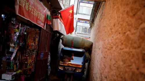 الصين تعتزم المساهمة في حصول البلدان النامية على لقاحات كورونا بأسعار معقولة