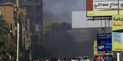 الخرطوم.. إغلاق الطرقات المؤدية إلى القيادة العامة تحسبا لتوسع الاحتجاجات