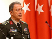 """وزير الدفاع التركي .. منظومة """"إس-400"""" لن تؤذي أحدا إذا لم تكن هناك نوايا للهجوم على تركيا"""