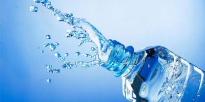 الماء قد يكون العلاج الأمثل للصداع بدلا من الأدوية
