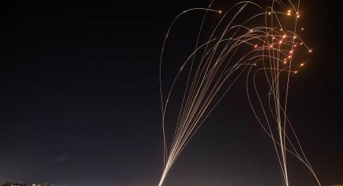 """لماذا تفشل """"القبة الحديدية"""" الإسرائيلية في اعتراض الصواريخ؟"""