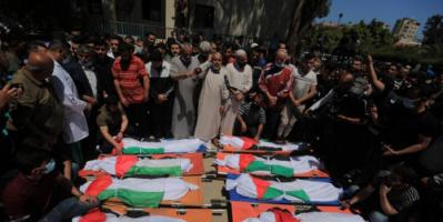 مجزرة جديدة للاحتلال في غزة.. قتل أباً من ذوي الإعاقة وزوجته الحامل وابنته بعد أن دك منزلهم