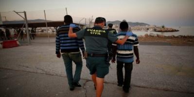 جمعية حقوقية مغربية تتهم سلطات جيب سبتة الإسباني بترحيل 40 لاجئا يمنيا